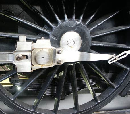 A view of the coupling rod bearing arrangement and also the speedometer drive on 3.1192. May 31 2003
