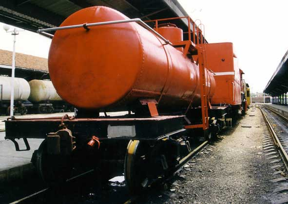 At Ecovapor 1816 appeared with an additional water carrier. Note from the rear the height of the tender. it was built up as high as the loading gauge would permit. 1999. © Shaun McMahon