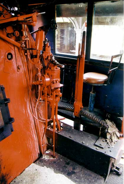 The driver's side - also in red! No nice screw reverser either.... 1999. © Shaun McMahon