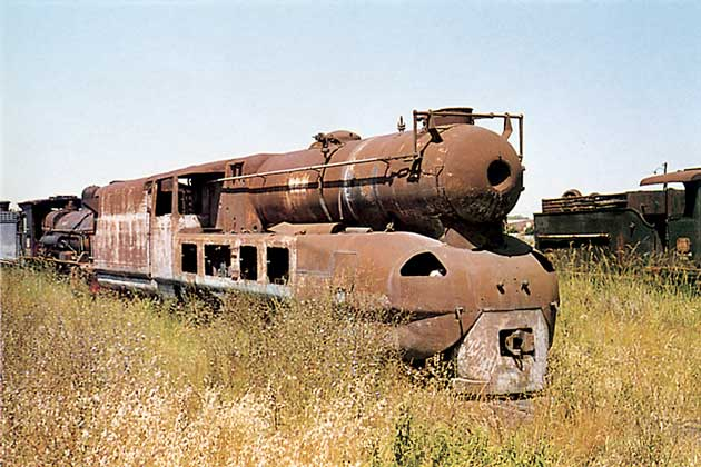 Another view of the locomotive dumped at La Plata this time in 1973. © David Wardale.