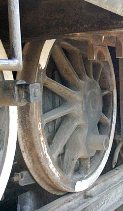 As can be seen here the loco did not have huge flanges on the flanged driven wheels. 14 October 2004