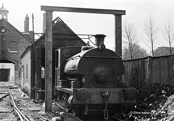 No.1666 of 1924. This R2 delivered new to George Skey & Co. Ltd., Tame Valley Colliery, Brick & Tile Works near Wilencote, Staffordshire. During 1931 it moved to Hawfield Brick & Pipe Works at Swadlincote, South Derbyshire. J. C. Staton & Co Ltd of Tutbury, Staffordshire owned the locomotive from October 1953. Finally the locomotive was scrapped at Tutbury between August 1969 and June 1970. © Clive Baker who also provided the locomotive history.