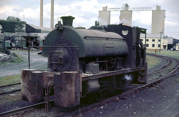 No.1734 of July 1927. Named 'Thurwit' it was sold from new to Thurrock Chalk and Whiting of Purfleet, Essex. This 0-4-0st is seen working at Pufleet when the owners had become Alpha Cement. The large dumb buffers are of interest. 07 August 1963 © Geoff Plumb