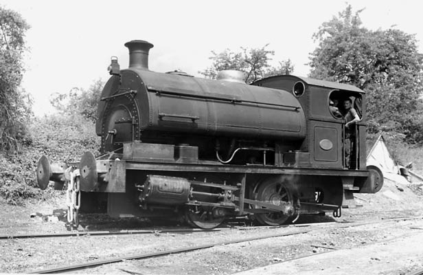 No.1985 of 1940. This photo claims to be of P1985 which was named 'Alexander' and original supplied to the Royal Arsenal, Woolwich. However indentification is not confirmed. Photographer unknown.
