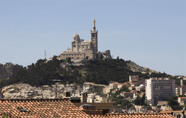 notre dame marseille how to get there