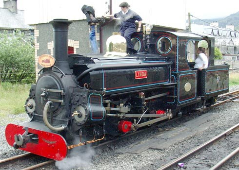 Linda in July 2004 - now largely demodified and back as an oil burner. At least the locomotive retains a Lempor nozzle. In the mid 1990's when the original nozzle became life expired a replacement was manufactured under the guidance of Nigel Day. July 17 2004